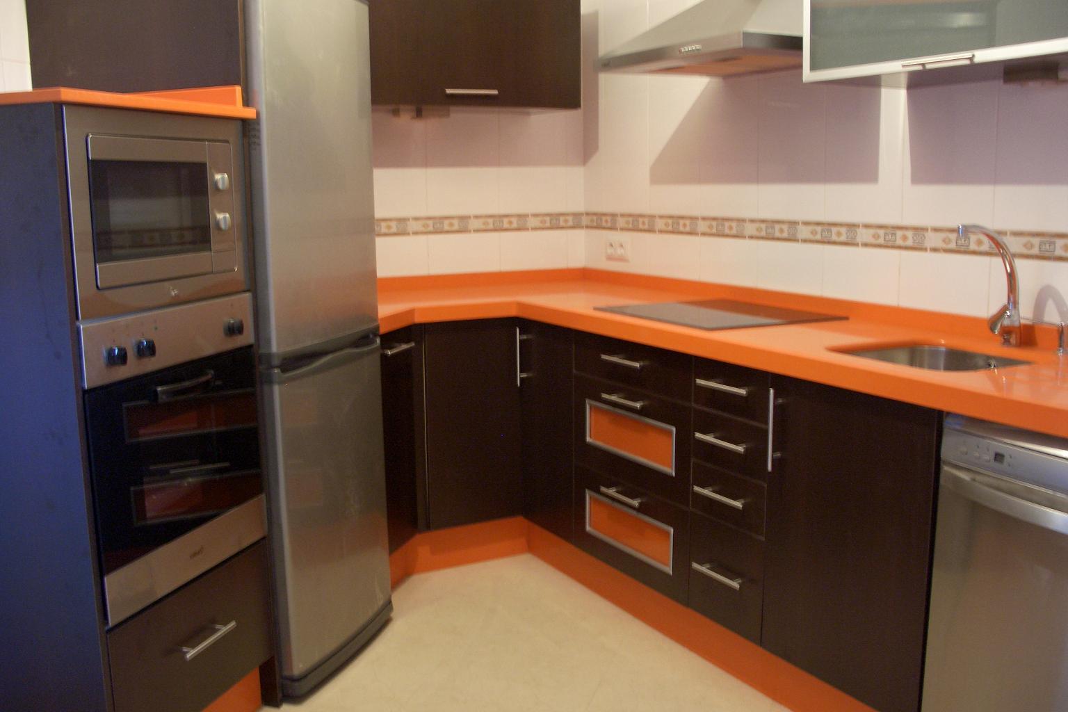 Bonito cocinas naranjas fotos decoracion de cocinas en for Casa garcia muebles
